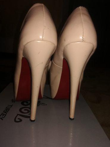 Туфли-босоножки, 37-38 размер, купленные в Бишкек