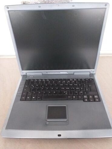 Ostali laptopovi i netbook računari   Srbija: Prodajem laptop nemam punjac za njega ali ima baterija u njemu upalil