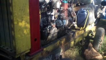 Компрессор винтовой дизельный, компрессорная часть новая, двигатель