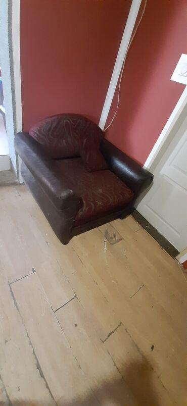 Nameštaj - Smederevska Palanka: Fotelja na razvlacenje u dobrom stanju potrebno samo pranje