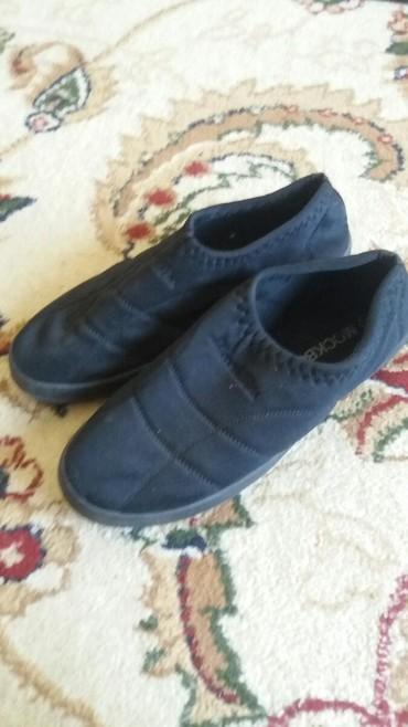 Спортивный обувь удобный бир жолу кийилген таза бойдон в Ош