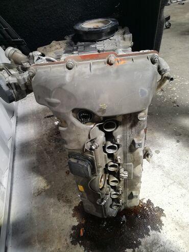 бмв 525 2004 в Кыргызстан: Бмв 525 двигатель бензин, мотор работает но старый, контраст через