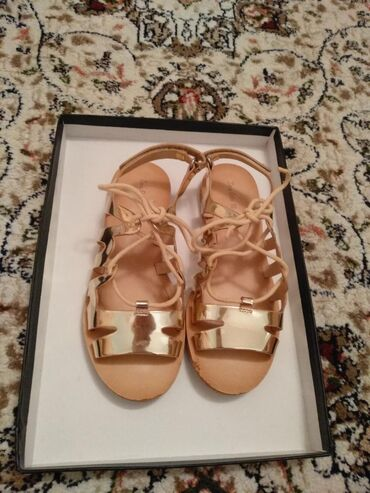 """Босоножки""""Zara girls"""" 32 размер, лёгкие,удобные,ширина и длина"""
