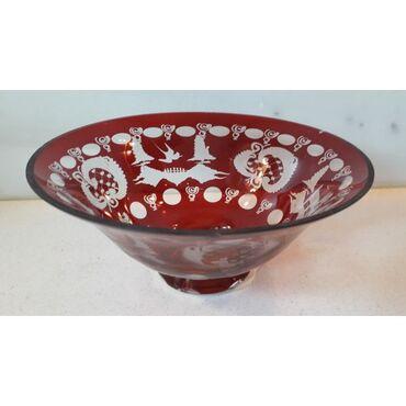 Κρυστάλλινο μπολ ( 1970 ) ταγιαρισμένο σε κόκκινο χρώμαΔιάμετρος: 20