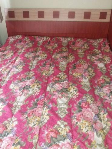 Продаю 2х спальный диван за 10тыс сом в Ош