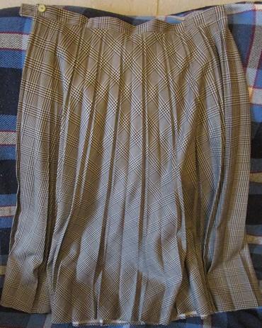 qizlar-uecuen-sifon-tklr - Azərbaycan: Юбка (Финляндия) плиссированная (сейчас в моде), 44-й размер