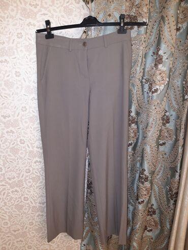 Прямые классические брюки. Ткань: 60% шерсти. Размер: 40