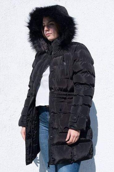 Zenska jakna sa krznenom postavom. Lepa, topla.Velicina LCena3200din