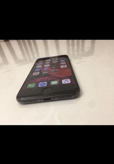 iphone-6-s в Кыргызстан: Iphone 8 64g состояние 9/10  Комплект: кор,док, з/у Есть чуть мелки