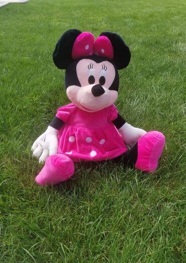 Minnie Mouse Plisana igracka Velicina 65cm Cena: 2699 dinara
