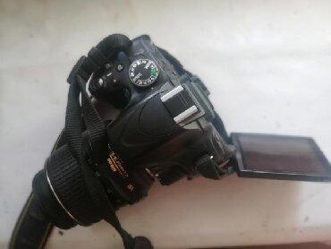 фотоаппарат canon eos 650 d в Кыргызстан: Срочно! Продаю nikon d5100 Через раз работает автофокус(таким купил)