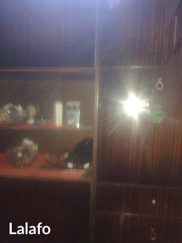Garderober mahagoni boja i vitrina u istom visokom sjaju ,mahagoni - Cacak