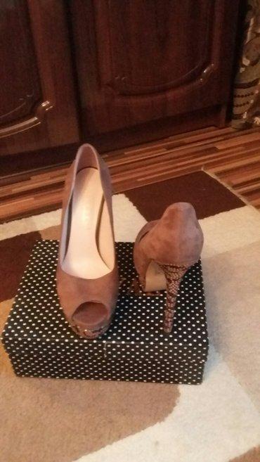 очень шекарные туфли на каблуке размер 39 не разу не одевали  в Бишкек