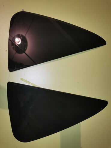 Стекла на тойота секвойя 2007 год   стекло на дверь багажника - 200$ с