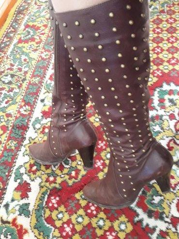 итальянские демисезонные кожаные сапоги👢 в отличном состоянии 👍👍👍о в Кочкор