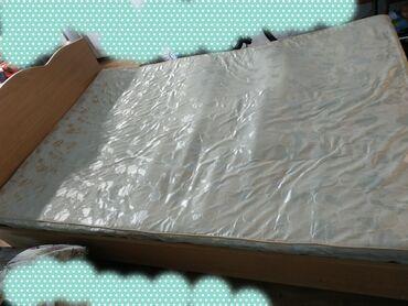 Двуспальные кровати - Кыргызстан: Кровать двуспальная, б/у в хорошем состоянии