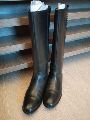 демисезонные замшевые полусапожки в Кыргызстан: Продается женские сапоги, Демисезонная.Производство Индия, бренд