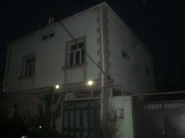 Bakı şəhərində 3 märtäbädi 18 ildi yaşayiram bu evda polnu remont etdirmişam