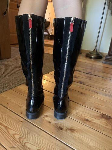 Crne lakovane čizme, broj 39