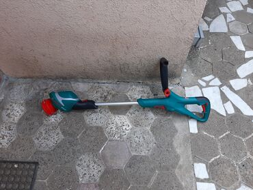 Trimeri - Srbija: Aku trimer bosch 18v Aku trimer je ispravan,ide bez baterije