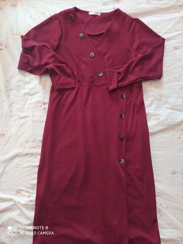 платья kg бишкек в Кыргызстан: Платья трикотаж. жаны кийилген эмес. 850 сом размер. 52-54-56