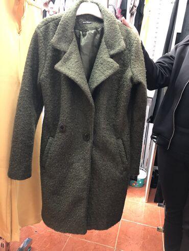 Palto yeni̇di̇r !Mağaza bağlandi̇gi̇ ucun 25 azn 36 38 40 bedenleri