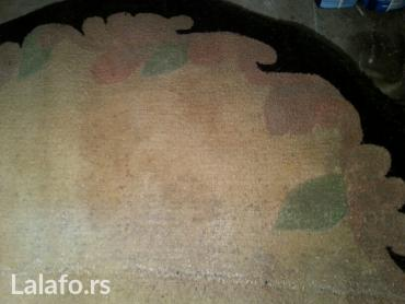 Ostalo za kuću | Beograd: Polu krug vuneni tepih bez sa crnom bordurom dimenzije 1. 95x1. 16