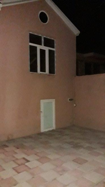 Bakı şəhərində masazlrda ikinci araz markete yaxln 3 otaq heyet evi satlllr