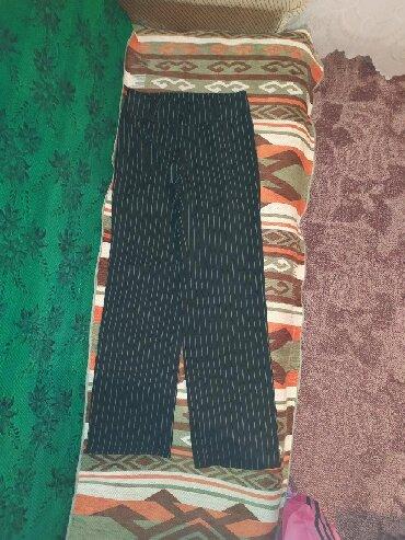 Zenske pantalone na liniju - Srbija: Zenske strukirane pantalone, velicine M. Jako udobne, prate liniju