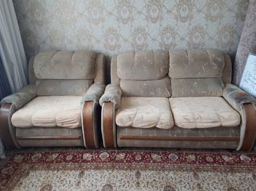 Продаю диван с креслом. цена договорная. тел. вацап в Бишкек