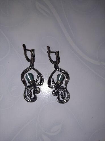 женские золотые серьги в Азербайджан: Черненое серебро. Для декора использованы вставки: Улексит. Изделия