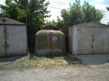 Продаю будку вместе c местом в гаражах 12 микр, 16 гск в Бишкек
