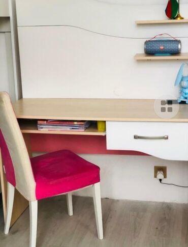 kiraye evler kohne gunesli - Azərbaycan: Yazı masası stolu ile birge 60 azn ( köhne güneşli)