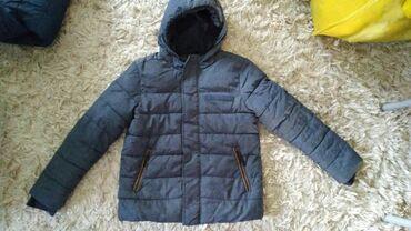 Duzina cm jakna - Srbija: Jakna za decake br. 140; duzina jakne je 57 cm, duzina rukava je 57
