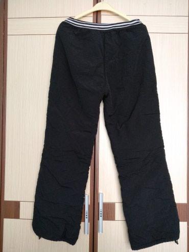 Утеплённые черные брюки / штаны в Бишкек