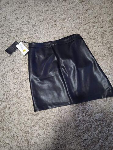 Na prodaju nova suknjica. Nijednom nije nosena. Veoma kvalitetna