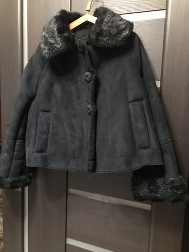 svjazi s vyezdom в Кыргызстан: Укорочённая дубленка размер S