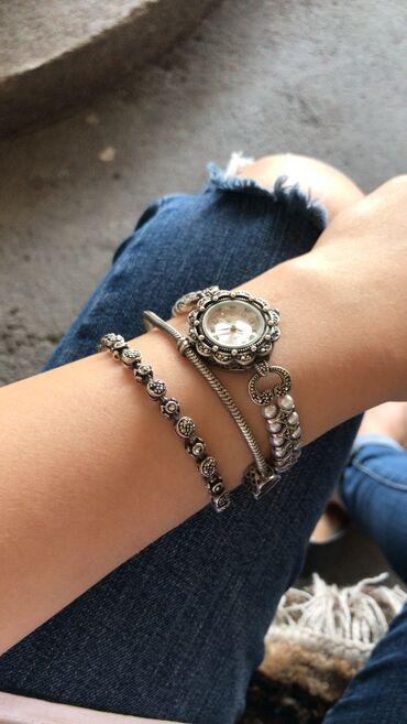 Продаю, серебрянные часы с жемчугом и марказитом. Цена договорная