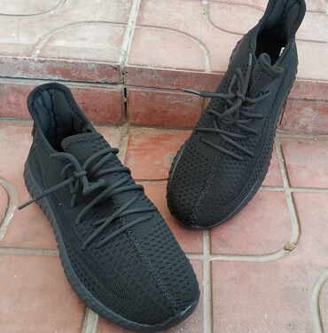 Мужские кроссы, нога дышит!- только в черном цвете!!!Цена со