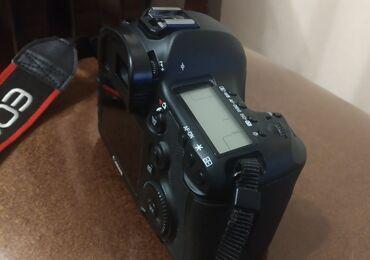 canon eos 5d mark ii в Азербайджан: Canon EOS 5D Mark 3 satilir. Kamera ishlek ve ela veziyyetdedir