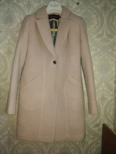бренд офисные платье в Кыргызстан: Пальто бренд очень хорошего качества. состояние отличное.размер 42-44