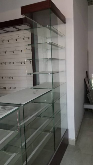 Продаю витрины с подсветкой. предназначен для разных товаров. в Бишкек