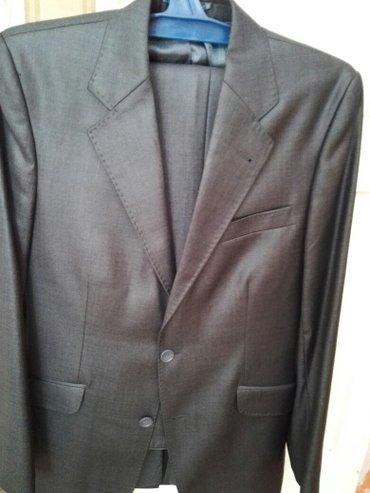 Продаю костюм тройка, одевал один раз. в Лебединовка