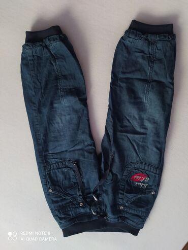 Pantalone teksas a dete od 3 godine.postavljene Bez oštećenja kao