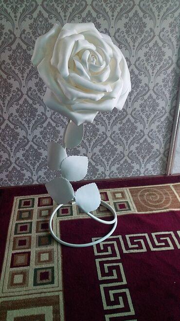 Роза для каридора и гостинную для спальня. Материал изолон. Рост 150