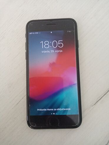 Polovni iPhone 7 32 GB Crn