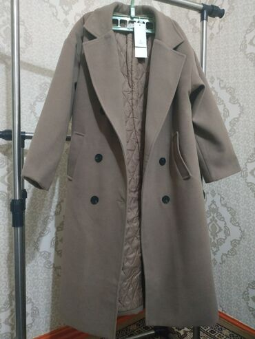 платья рубашки оверсайз в Кыргызстан: Пальто еврозима - 3500сом размер:L модель оверсайз может подойти и на