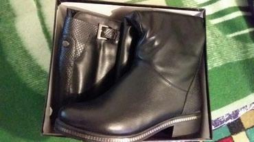 Сапоги зима, чёрная кожа поларис. Смотрица на ноге идеально. Новые в Бишкек