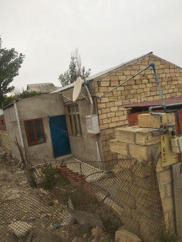 1 otaqli - Azərbaycan: Satılır Ev 10 kv. m, 1 otaqlı
