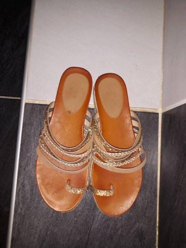 Nove papuce, samo jednom obuvene i od tad stoje, broj 39, izuzetno - Novi Sad